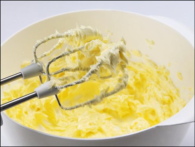Как сделать сливочное масло из молока в домашних 993
